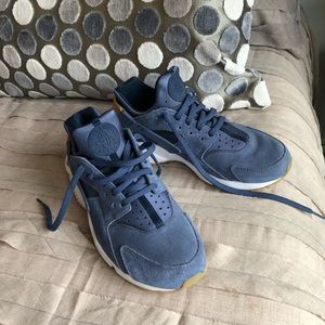 Nike Blue Suede Shoes 💙💙💙